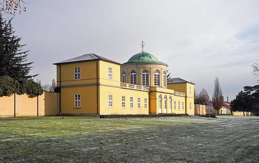 Der Bibliothekspavillon von Laves im Berggarten in Hannover